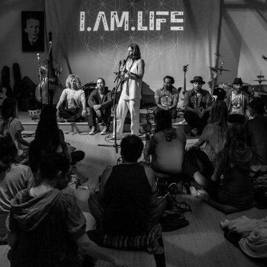 I-AM-LIFE-17-580x386